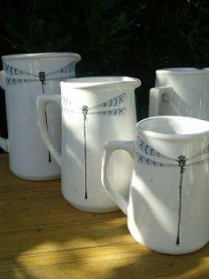 Festejamos la Re apertura de Olmos con estas jarras de línea clásica.  Diseño exclusivo de Ana Pastor unicamente las encontras en nuestra casa atelier Juan Cosas Viejas La Barra Punta del Este