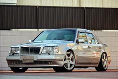 Mercedes_W124_e500_japan_2.JPG 800×533 pixels