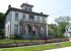 19th-century home, Hannibal, Missouri. Photograph by Gregory McNamee.