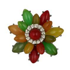 1stdibs | Unusual Bakelite Flower Brooch