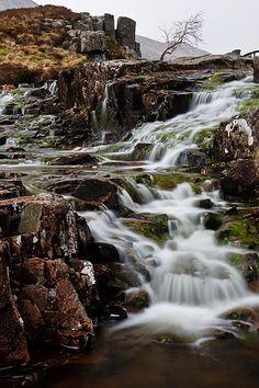 Een lange sluitertijd zorgt er voor dat water een soort mist effect krijgt
