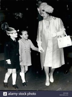 argentaimages: Prince Edward and Lady Sarah Armstrong-Jones with their grandmother Queen Elizabeth the Queen Mother, Royal College of Music, 1969 Princess Elizabeth, Princess Margaret, Queen Elizabeth Ii, Princess Diana, Margaret Rose, Duchess Of York, Duke And Duchess, Duchess Of Cambridge, Prince Phillip