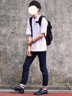 白T×スキニーデニムで 超絶シンプルスタイル Chill Outfits, Retro Outfits, Japanese Fashion, Korean Fashion, Fashion Poses, Fashion Outfits, Pinterest Fashion, Korean Outfits, Men Looks