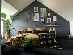 8 Cheap Things to Maximize a Small Bedroom Home Design, Interior Design, Bedroom Loft, Bedroom Decor, Black Master Bedroom, Dream Rooms, My Room, Living Spaces, Furniture