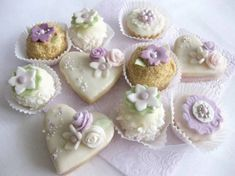 Tea Cakes, Mini Cakes, One Tier Cake, Candy Drinks, Fancy Schmancy, Macaroons, Tiered Cakes, High Tea, Amazing Cakes