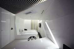 Pure Crystal room at Boutique Hotel the Designers by Seungmo Lim Seoul South Korea 06 Pure Crystal room at Boutique Hotel the Designers by S. Yacht Interior, Flat Interior, Interior Design, Visual Merchandising, Black Metal Chairs, Public Hotel, Crystal Room, Branding, Space Architecture