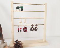 Organizador de joyas exhibición de joyas soporte de perno de | Etsy Ladder Decor, Crafts, Etsy, Home Decor, Jewelry Stand, Wood Display, Jewellery Display, Wood Projects, Product Display