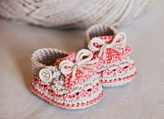 Hey, I found this really awesome Etsy listing at https://www.etsy.com/listing/204541572/instant-download-crochet-pattern-baby
