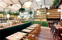 First multi space restaurant in Barcelona where you can taste traditional Spanish dishes made with high quality products. Located on Passeig de Gràcia. Traditional Spanish Dishes, Food Court, Hospitality Design, Mediterranean Style, Spanish Style, Places To Eat, Restaurant Bar, The Good Place, Table Settings