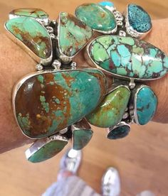 Loving all things turquoise today! Turquoise opens communication and encourages us to honor our own voice. #turquoise #ziabird #nativeamericancraftsmanship #emersonfry #emersonfrymercuryslides #calypsostbarth