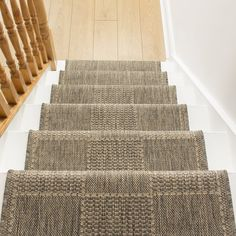 Stylish stair carpet ideas and inspiration. So you can choose the best carpet for stairs.Quality rug for stairs, stairway carpets type, etc. Best Carpet For Stairs, Carpet Stairs, Basement Carpet, Carpet Runner On Stairs, Stairway Carpet, Hallway Carpet, Wall Carpet, Bedroom Carpet, Carpet Decor