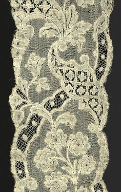 Mechlin bobbin lace lappets from Flanders....18th century