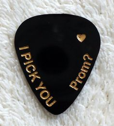 hoco proposals ideas boyfriends This listing is for one custom, handmade guitar pick/plectrum that has your choice of words engraved on it. The perfect way to ask yo Cute Prom Proposals, Homecoming Proposal, Girl Ask Guy, Cute Promposals, Asking To Prom, Dance Proposal, Prom Couples, Prom Goals, Prom Dance