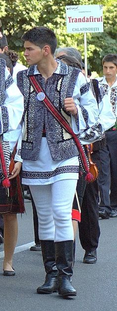 Popular Folk Embroidery romanian men guy traditional clothings romanians traditions guy - Visit the post for more. Romanian Men, Romanian People, Ukraine, Traditional Fashion, Traditional Dresses, Costumes Around The World, Folk Costume, Historical Clothing, European Clothing
