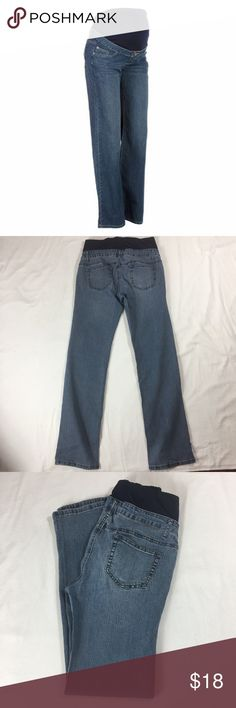 "Maternity jeans Stylish. Has a 31"" inseam Jeans"