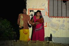 पुरखौती मुक्तांगन में कबीरधाम, धमतरी एवं राजनांदगांव जिले के पंचायत प्रतिनिधियों ने छत्तीसगढ़ की संस्कृति के बारे में प्रस्तुत प्रसंग देखे. लाईट एंड साउंड शो का मंचन करते हुए कलाकारों ने शिव तांडव, राम का वन गमन, छत्तीसगढ़ की लोक संस्कृति, खेती-किसानी, राज्य सरकार की महत्वपूर्ण योजनाएं, विकास कार्यों के सम्बन्ध में प्रस्तुति दी. देर शाम को अँधेरे में शुरू किया गया शो आकर्षक मंच सज्जा और अलग-अलग मंचों से प्रस्तुतिकरण ने प्रतिनिधियों को बेहद लुभाया.