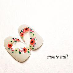 かわいいネイルを見つけたよ♪ #nailbook Flower Nail Designs, Flower Nail Art, Nail Art Designs, Art Flowers, Chic Nails, Little Flowers, Nail Arts, Beauty Nails, Pretty Nails