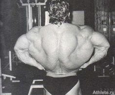 My all time favorite picture: Dorian Yates showing off his 6 time Mr. Olympia worthy back width. Craziest thing you'll ever see in a back.