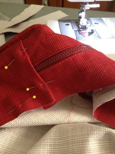 Other end of zipper Red Cushions, Toms, Zipper, Sneakers, Fashion, Red Pillows, Tennis, Moda, Slippers