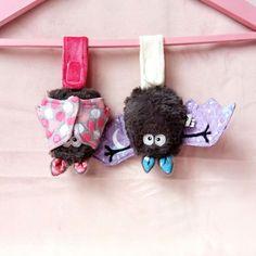 Les inséparables - lot de doudous chauve souris porte bonheur rose et parme…