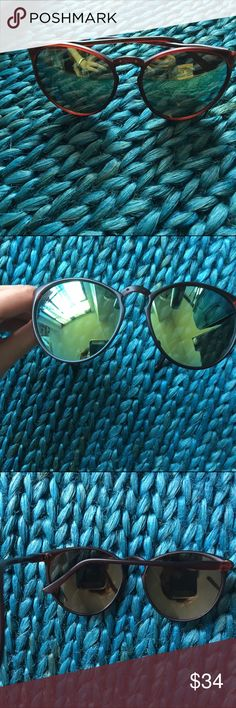 Nwot just in. Green tint sunglasses On trend! Green mirror tint. Brand new. Light weight. Soft plastic rims. From LA Accessories Sunglasses