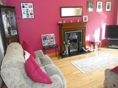 Living room, pink wall