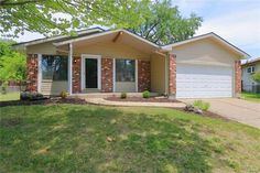 15568 97 Th Ave, Florissant, MO 63034