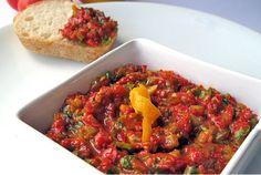 Antep mezeleri, Antep mutfağı Türkiye'nin en zengin mutfaklarından biridir. Genellikle kebapları ve bir birinden lezzetli mezeleri ile ön plana çıkmaktadır. Bu muhteşem mezeleri evinizde hazırlayarak her yemeğinizi ziyafete dönüştürebilirsiniz. Kolay gelsin..