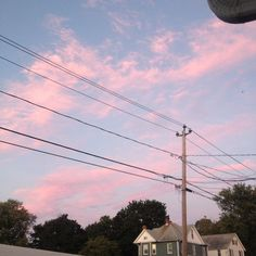 the sky is really pretty (@Iittlepeach)