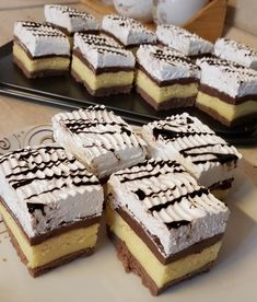 Creative Food, Tiramisu, Cake, Ethnic Recipes, Sweet, Origami, Candy, Kuchen, Origami Paper