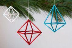 Curbly-Original How to: Make DIY Colorful Geometric Ornaments Diy Christmas Ornaments, Handmade Christmas, Holiday Crafts, Christmas Decorations, Handmade Ornaments, Holiday Ideas, Wie Macht Man, Navidad Diy, Ornament Tutorial