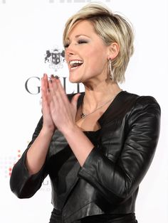 More Pics of Helene Fischer Layered Razor Cut Edgy Short Hair, Short Hair With Layers, Short Hair Cuts, Pelo Midi, Medium Hair Styles, Short Hair Styles, Corte Y Color, Hair Color And Cut, Great Hair