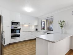 Wow can you believe a melamine and laminate kitchen can look so good. Verto Kitchens   Burleigh Heads. Quality Kitchens, Bespoke Kitchens, Luxury, Home Decor, Decoration Home, Room Decor, Home Interior Design, Home Decoration, Interior Design