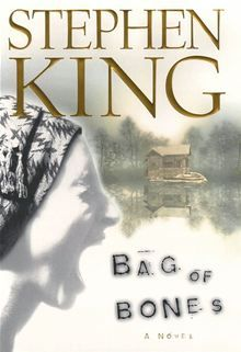 """Read """"Bag of Bones A Novel"""" by Stephen King available from Rakuten Kobo. Set in the fictional town of Castle Rock, Maine From New York Times bestselling author Stephen King, a powerful tale . I Love Books, Books To Read, Nos4a2, Bone Books, Stephen King Novels, Steven King, Horror Books, Horror Fiction, Horror Movies"""