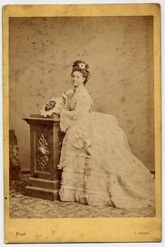 """Century Carte de Visite of """"The Bride"""" and yes your bustle makes your butt look big. Vintage Photos Women, Vintage Photographs, Vintage Ladies, Vintage Pictures, Vintage Images, Victorian London, Victorian Women, Victorian Era, Victorian Costume"""