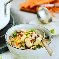 Lapin-ukon keitto | Meillä kotona Pasta Salad, Cantaloupe, Fruit, Ethnic Recipes, Food, Meal, Eten, Hoods, Meals