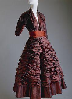 """Diamant Noir"", Designer: Christian Dior (French, Granville 1905–1957 Montecatini) Date: fall/winter 1948–49 Culture: French Medium: silk, cotton"