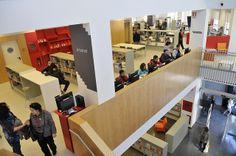 Biblioteca Trinitat Vella - J. Barbero (Sant Andreu, Barcelona) barcelona_trinitat-vella_21 | Flickr: Intercambio de fotos