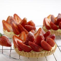 Recept: Jahodové tartaletky   iGurmet.cz Raspberry, Strawberry, Coffee Break, Baked Goods, Tea Time, Cheesecake, Food And Drink, Meals, Cupcakes