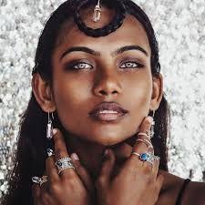 985eb2a6a4f2 Résultats de recherche d images pour « raudha athif » Όμορφες Γυναίκες