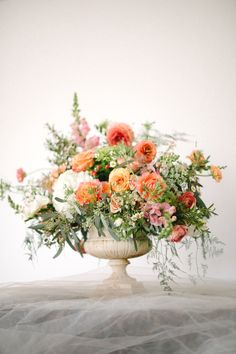 Peach floral design from Sunflower Creative, photographed by Bellamint Photography | see more on: http://burnettsboards.com/2014/06/irresistible-floral-designs/