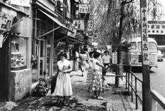 昭和27年ごろの東京・新橋の街頭(1952年撮影) 【20年代~】