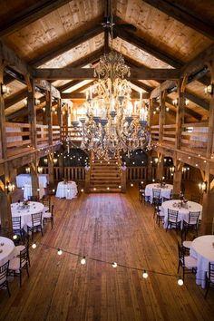 Stunning wedding barn venue - perfect for a rustic wedding! {Studio Nouveau} #weddingvenues