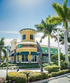 Votre banque francophone en Floride : Desjardins Bank French Websites, Destinations, Mansions, House Styles, Home Decor, Florida, Travel, Decoration Home, Room Decor