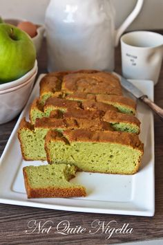 avocado pound cake: I will try making it even healthier and use goats milk Pound Cake Recipes, Cupcake Recipes, Cupcake Cakes, Pound Cakes, Cupcakes, Homemade Jelly, Winter Dishes, Sweets Cake, Moist Cakes