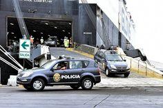 18/06/2016 Ya se encuentran en nuestro país los primeros 200 patrulleros SUV 4x4 de un total de 2,158 adquiridos por el Gobierno para fortalecer e intensificar el trabajo de la Policía Nacional del Perú en la lucha contra la inseguridad ciudadana.