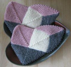 Ravelry: Dominotossut - Domino slippers pattern by Tiina Kovalaine Knitted Slippers, Crochet Slippers, Knit Crochet, Bed Socks, Slipper Boots, Winter Warmers, Knitting Socks, Handicraft, Mittens