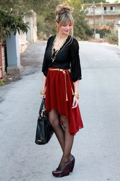 How to Wear Peasant Tops and Look Chic Skirt Outfits, Cute Outfits, Street Style Chic, Asymmetrical Skirt, Glamour, Red Skirts, Look Chic, Beautiful Outfits, Nice Dresses
