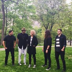 Hillsong UNITED Band in New York City #hillsongunited #newyorkcity South Wales, Taya Smith, Christian Music Artists, Hillsong United, Worship Leader, The Unit, Singer, Couple Photos, Concert