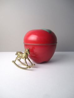 v i n t a g e Metal Tin Apple Container by LittlePlaces on Etsy